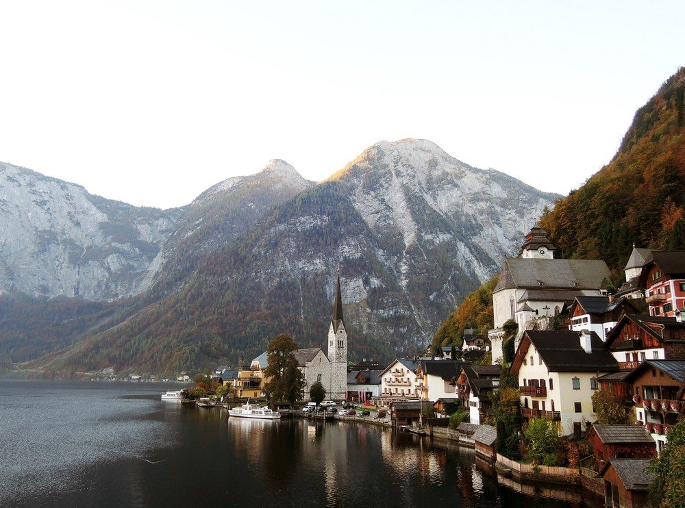 The sublime city of Hallstatt - one of the best stopovers when driving from Vienna to Salzburg
